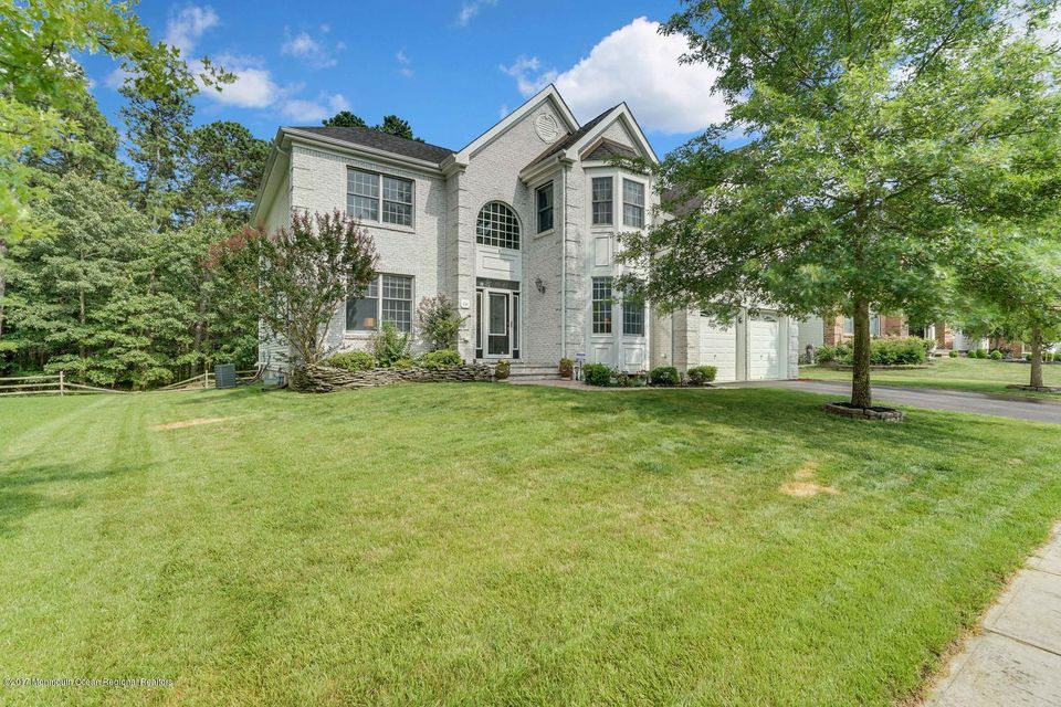 16 Vacari Way, Little Egg Harbor, NJ 08087
