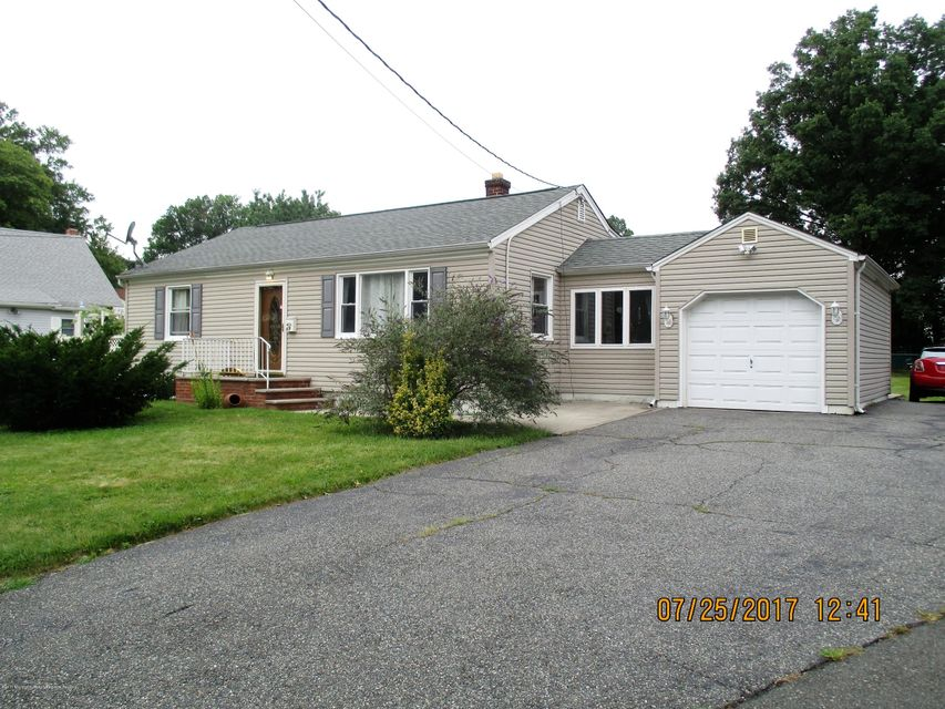Single Family Home for Sale at 69 Tappen Street 69 Tappen Street Avenel, New Jersey 07001 United States