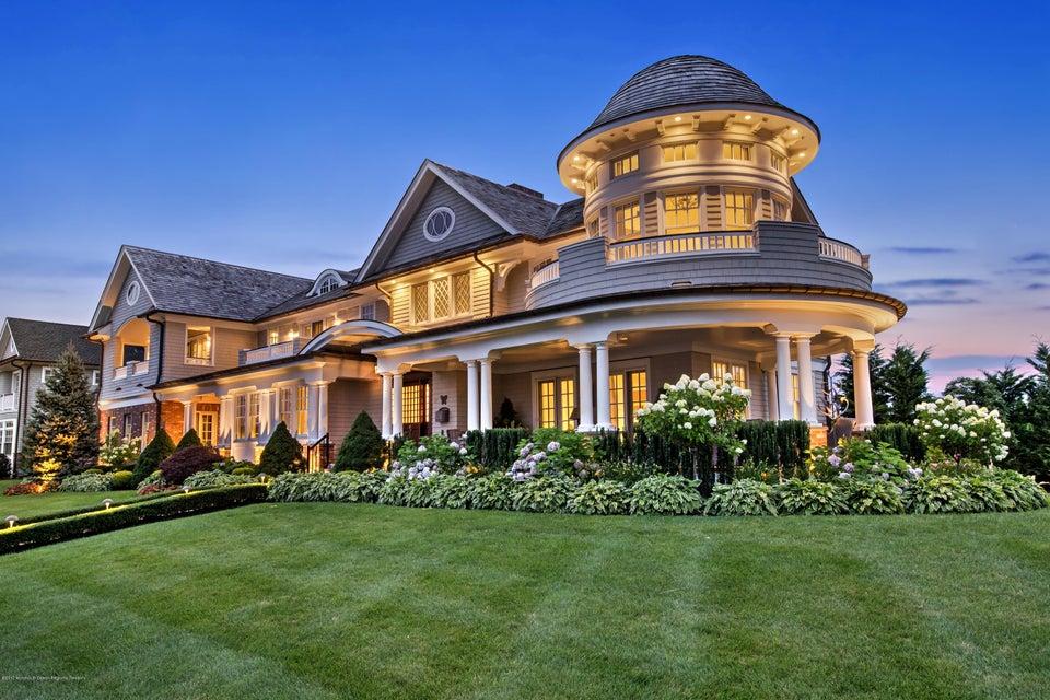 Maison unifamiliale pour l Vente à 23 Pitney Avenue Spring Lake, New Jersey 07762 États-Unis