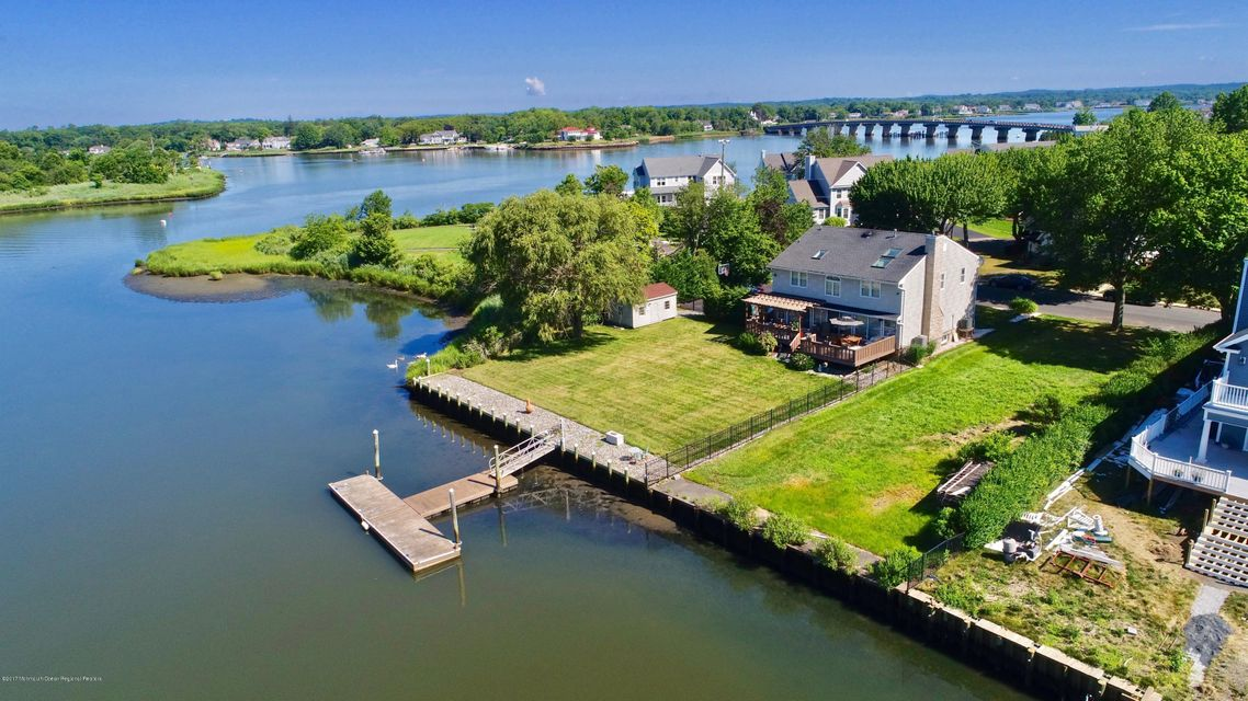 Single Family Home for Sale at 262 Arnold Avenue 262 Arnold Avenue Oceanport, New Jersey 07757 United States
