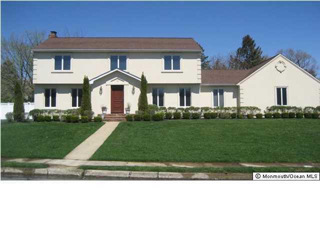 独户住宅 为 销售 在 16 Bridle Drive 朗布兰奇, 新泽西州 07764 美国