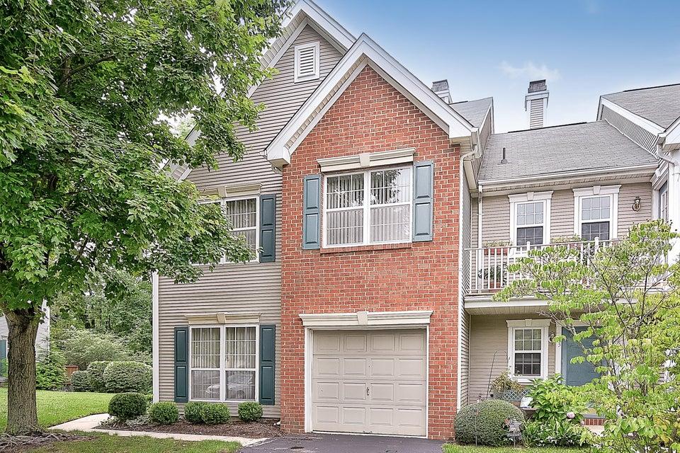 Appartement en copropriété pour l à louer à 12 Stagecoach Drive Holmdel, New Jersey 07733 États-Unis