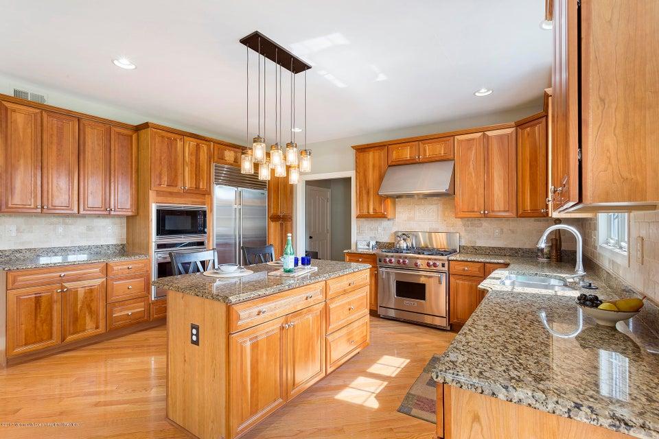 獨棟家庭住宅 為 出售 在 15 Jonathan Drive 15 Jonathan Drive Robbinsville, 新澤西州 08691 美國
