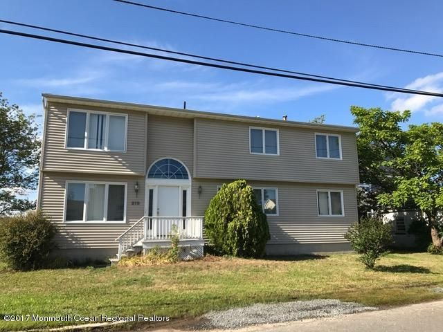 Single Family Home for Sale at 219 Anglesea Avenue 219 Anglesea Avenue Ocean Gate, New Jersey 08740 United States