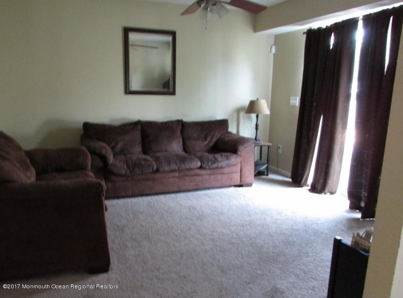 Casa Unifamiliar por un Venta en 302 Sassafras Street Browns Mills, Nueva Jersey 08015 Estados Unidos