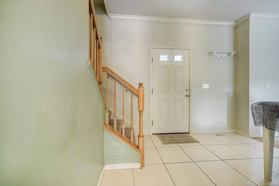 002_Front Entry