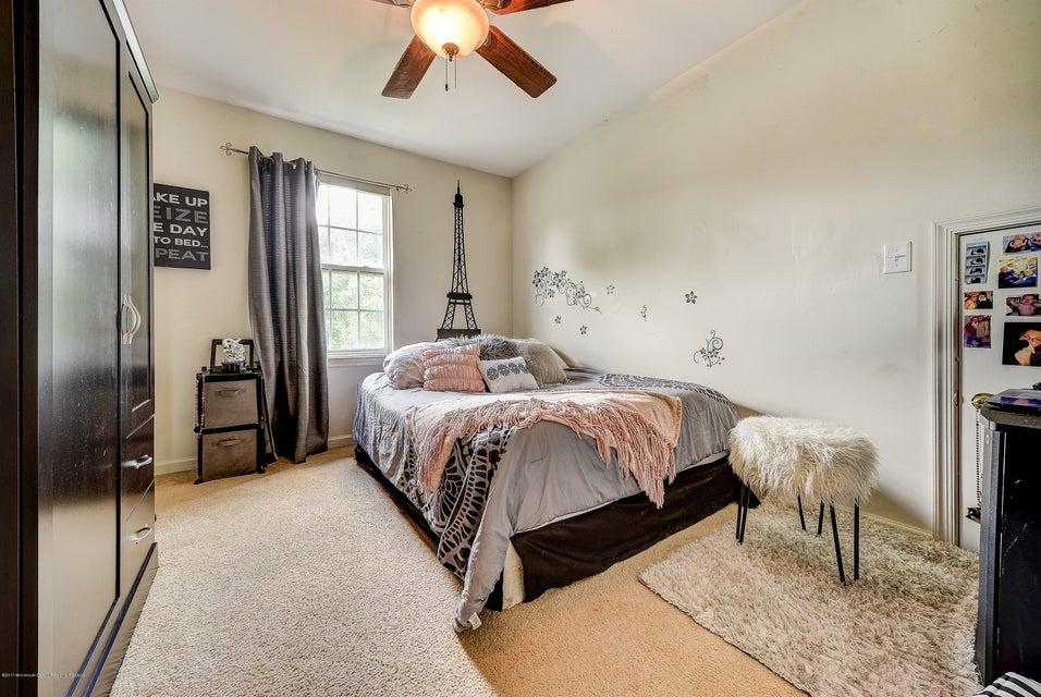 015_Bedroom