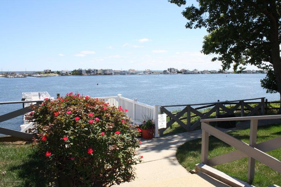 共管式独立产权公寓 为 出租 在 200 Wyndmoor Highlands, 新泽西州 07732 美国