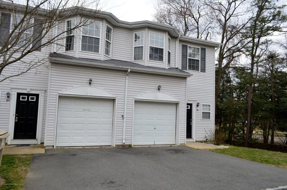 共管式独立产权公寓 为 出租 在 23 Esplanade Way 贝维尔, 新泽西州 08721 美国