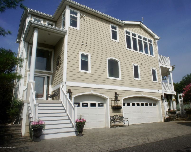 Maison unifamiliale pour l Vente à 405 William Street Port Monmouth, New Jersey 07758 États-Unis