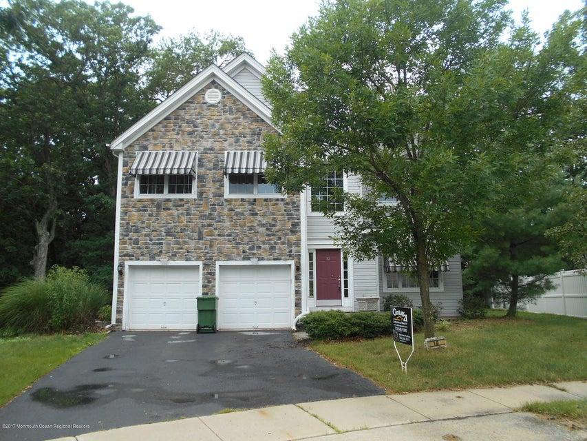 Частный односемейный дом для того Продажа на 10 Theodore Drive 10 Theodore Drive Eatontown, Нью-Джерси 07724 Соединенные Штаты