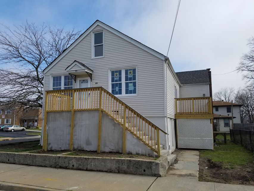 Single Family Home for Rent at 105 Center Avenue Keansburg, New Jersey 07734 United States