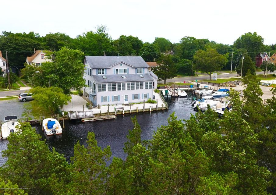 Single Family Home for Sale at 330 Green Street 330 Green Street Tuckerton, New Jersey 08087 United States