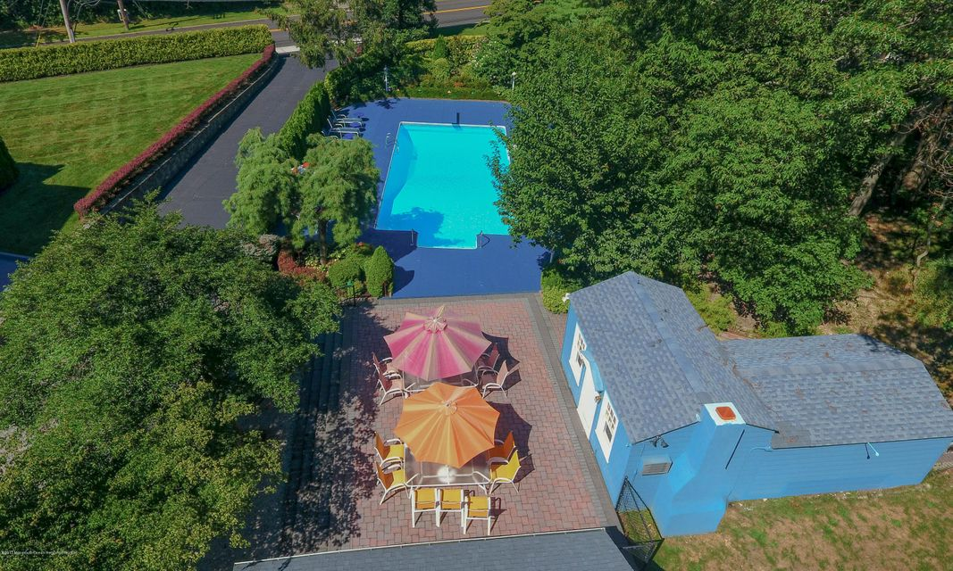 Pool w/Cabana & Seating
