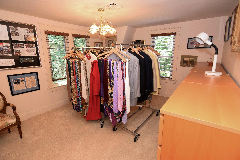 Bedroom/Wardrobe