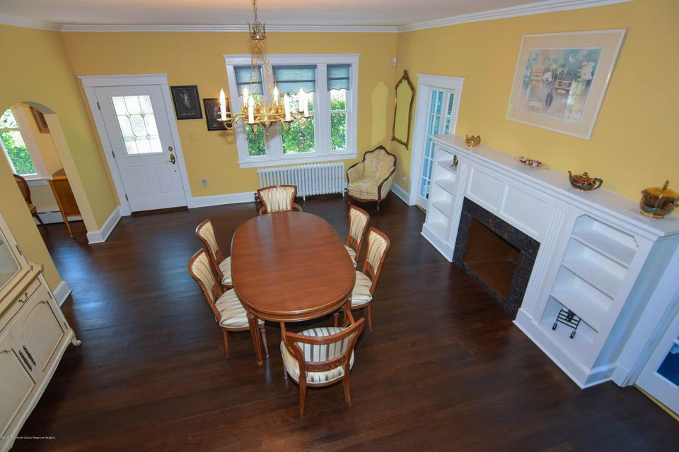 Dining Room/Fire Place