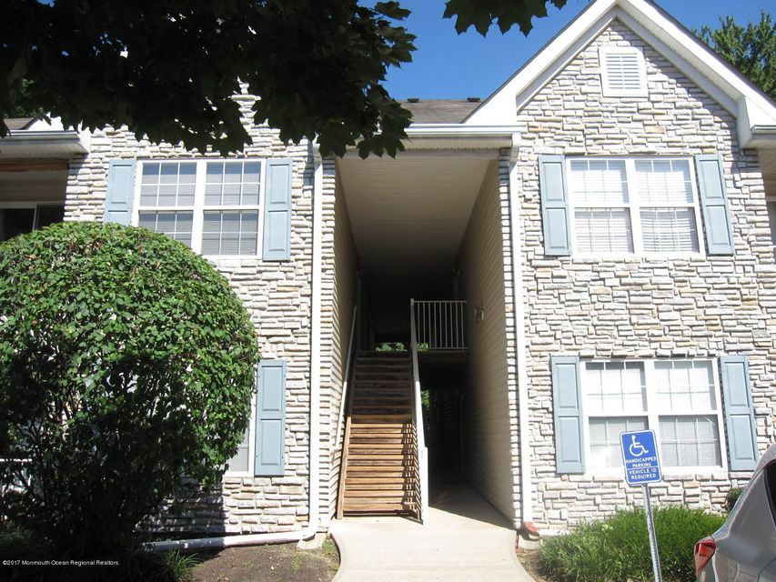 Condominium for Rent at 814 Wedgewood Circle Belford, New Jersey 07718 United States