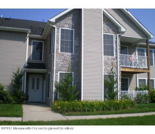 Casa Unifamiliar por un Venta en 84 Chariot Court Piscataway, Nueva Jersey 08854 Estados Unidos