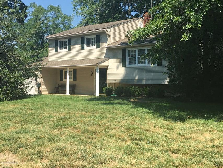Einfamilienhaus für Verkauf beim 482 Roxbury Road Belford, New Jersey 07718 Vereinigte Staaten