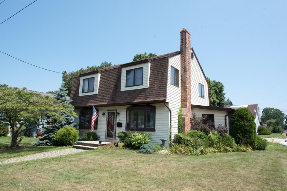 단독 가정 주택 용 매매 에 157 7th Street Belford, 뉴저지 07718 미국