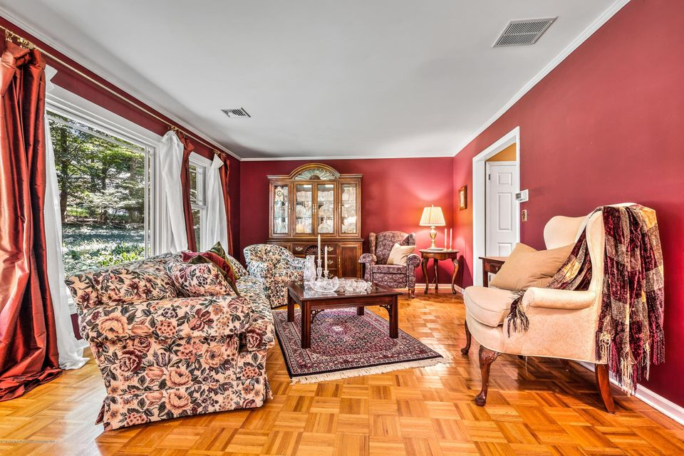 Additional photo for property listing at 58 Townsend Drive 58 Townsend Drive Middletown, New Jersey 07748 Amerika Birleşik Devletleri