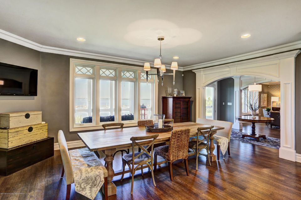 Open/casual Dining Room