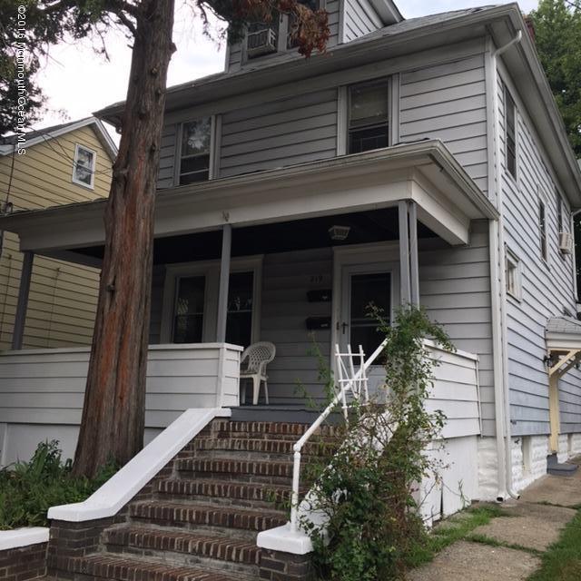 Casa Unifamiliar por un Alquiler en 219 Elm Street South Amboy, Nueva Jersey 08879 Estados Unidos