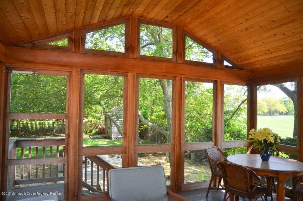 独户住宅 为 销售 在 201 Meadow Avenue 201 Meadow Avenue 特普莱森特, 新泽西州 08742 美国