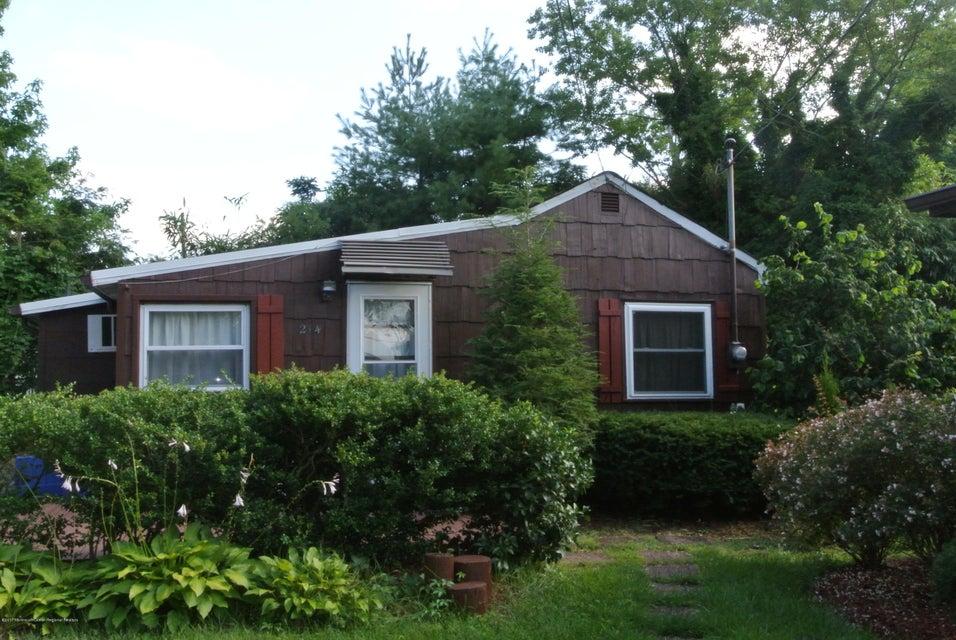 Casa Unifamiliar por un Alquiler en 214 Bayview Avenue 214 Bayview Avenue Ocean Gate, Nueva Jersey 08740 Estados Unidos