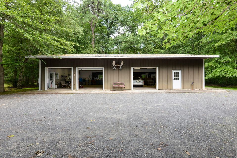 Additional photo for property listing at 313 Maxim Road 313 Maxim Road Howell, ニュージャージー 07731 アメリカ合衆国