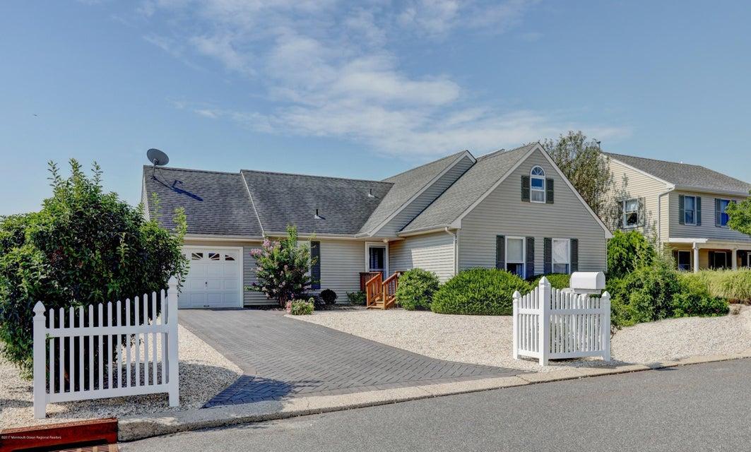 Moradia para Venda às 162 Eileen Lane Beach Haven West, Nova Jersey 08050 Estados Unidos