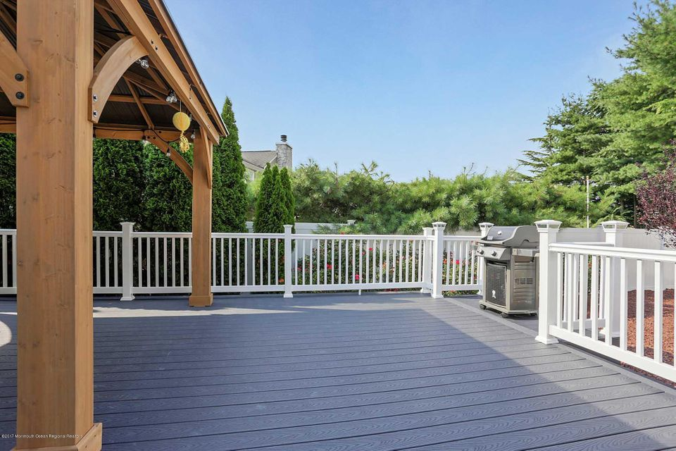 Wrap around deck w/covering