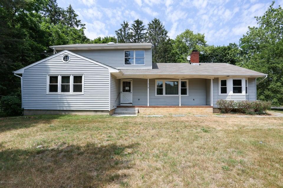 Casa Unifamiliar por un Alquiler en 318 Newman Springs Road Middletown, Nueva Jersey 07748 Estados Unidos