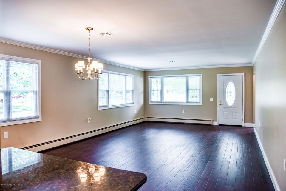 Additional photo for property listing at 224 Torrey Pines Drive 224 Torrey Pines Drive Toms River, Nueva Jersey 08757 Estados Unidos