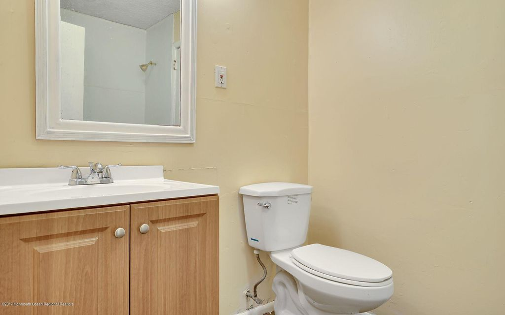 Additional photo for property listing at 5 Chelsea Road 5 Chelsea Road Jackson, Нью-Джерси 08527 Соединенные Штаты