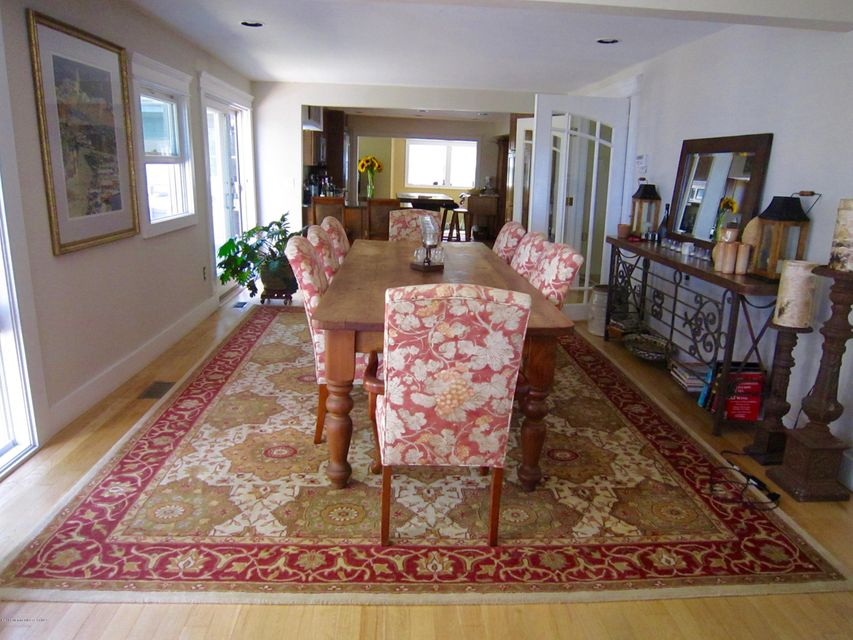 Additional photo for property listing at 34 Sea View Terrace 34 Sea View Terrace Middletown, Nova Jersey 07748 Estados Unidos