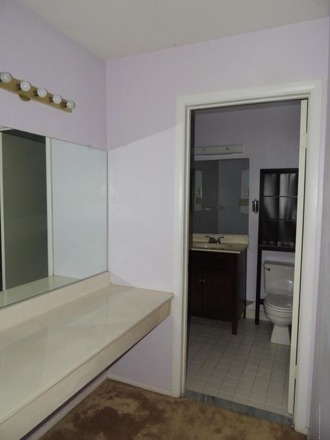 Additional photo for property listing at 942a Liverpool Circle  Manchester, 新澤西州 08759 美國