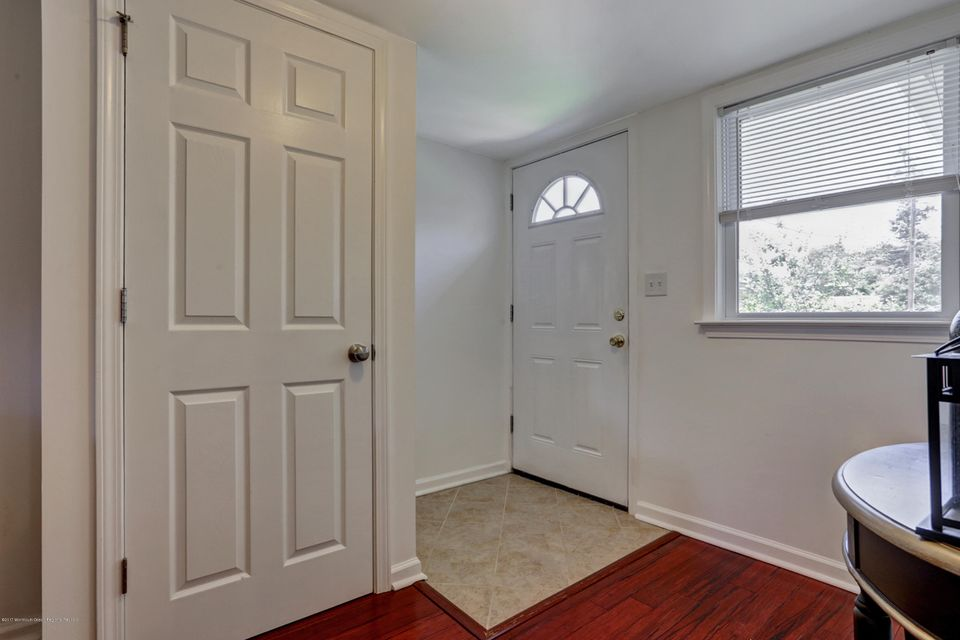 Additional photo for property listing at 9 Thompson Street  West Long Branch, Nueva Jersey 07764 Estados Unidos