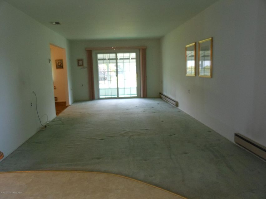 Additional photo for property listing at 134 Clay Circle  Brick, New Jersey 08724 Stati Uniti