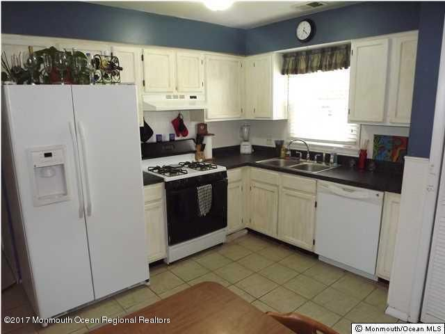 Additional photo for property listing at 168 Milton Avenue  Cliffwood Beach, New Jersey 07735 United States