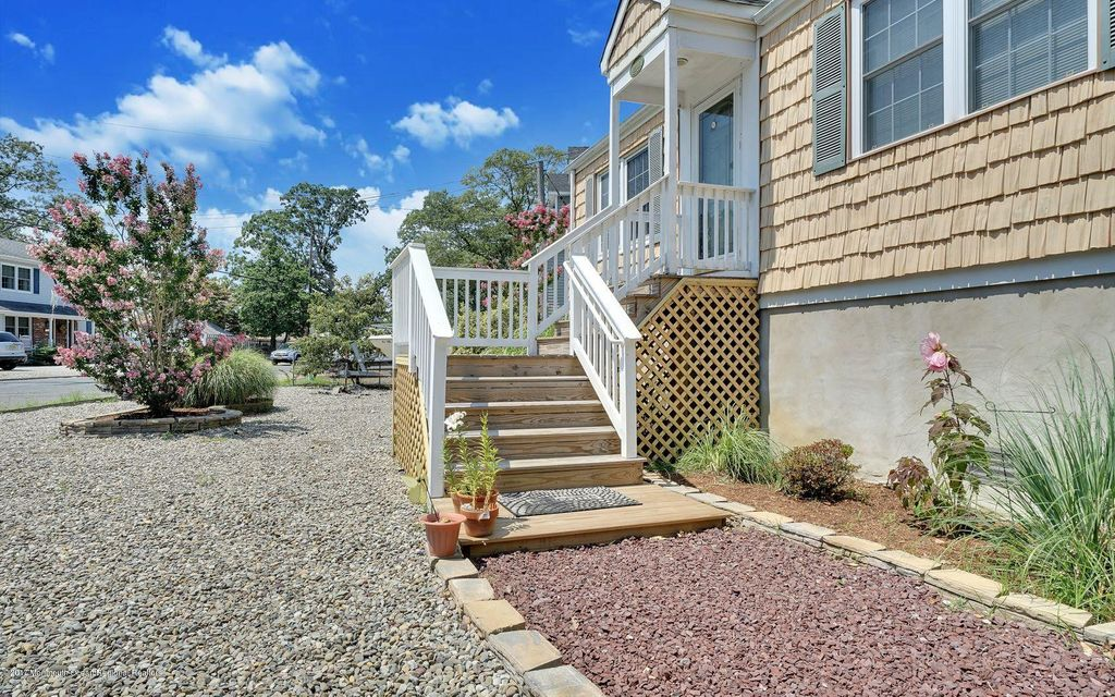 Additional photo for property listing at 2203 Glenwood Drive  Point Pleasant, New Jersey 08742 États-Unis