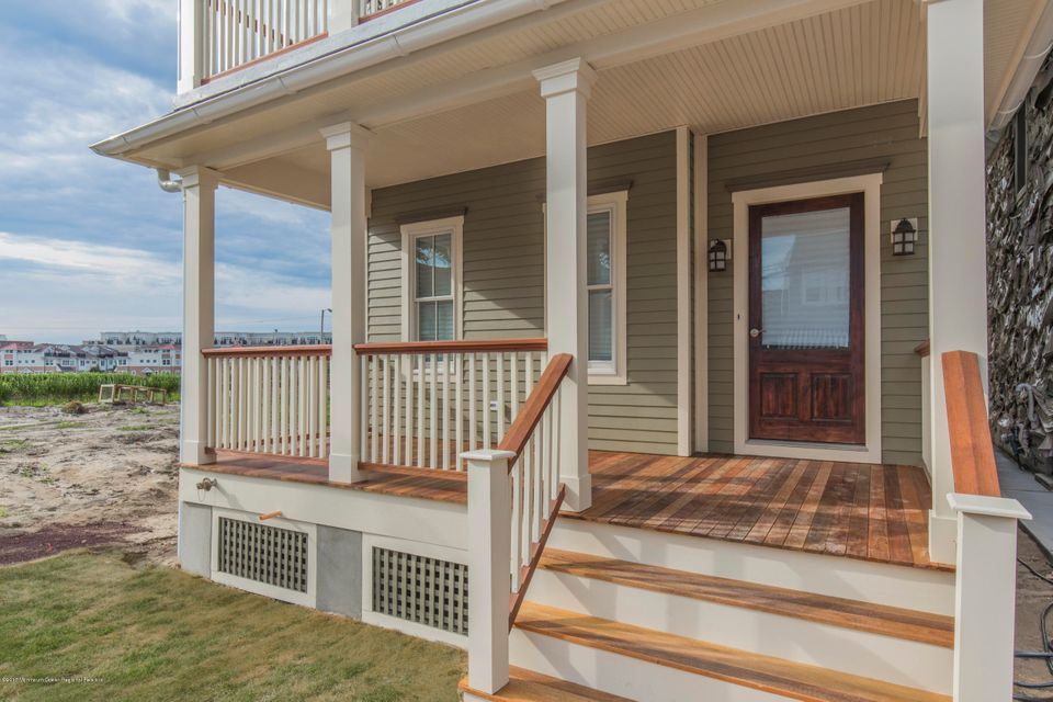 Additional photo for property listing at 21 Seaview Avenue 21 Seaview Avenue Ocean Grove, New Jersey 07756 États-Unis