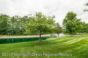 Additional photo for property listing at 58 Enclave Boulevard 58 Enclave Boulevard Lakewood, New Jersey 08701 États-Unis