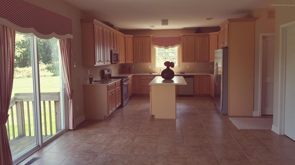 Additional photo for property listing at 28 Avenue K  Monroe, New Jersey 08831 États-Unis