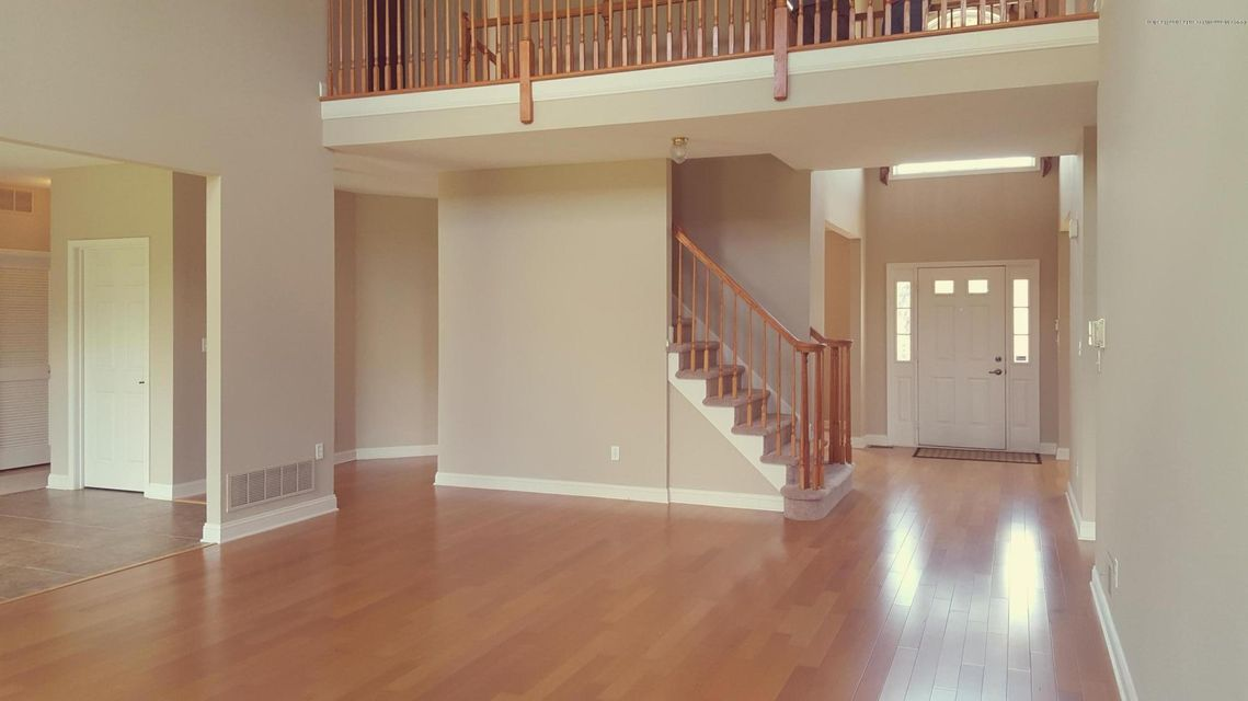 Additional photo for property listing at 28 Avenue K  Monroe, Nueva Jersey 08831 Estados Unidos
