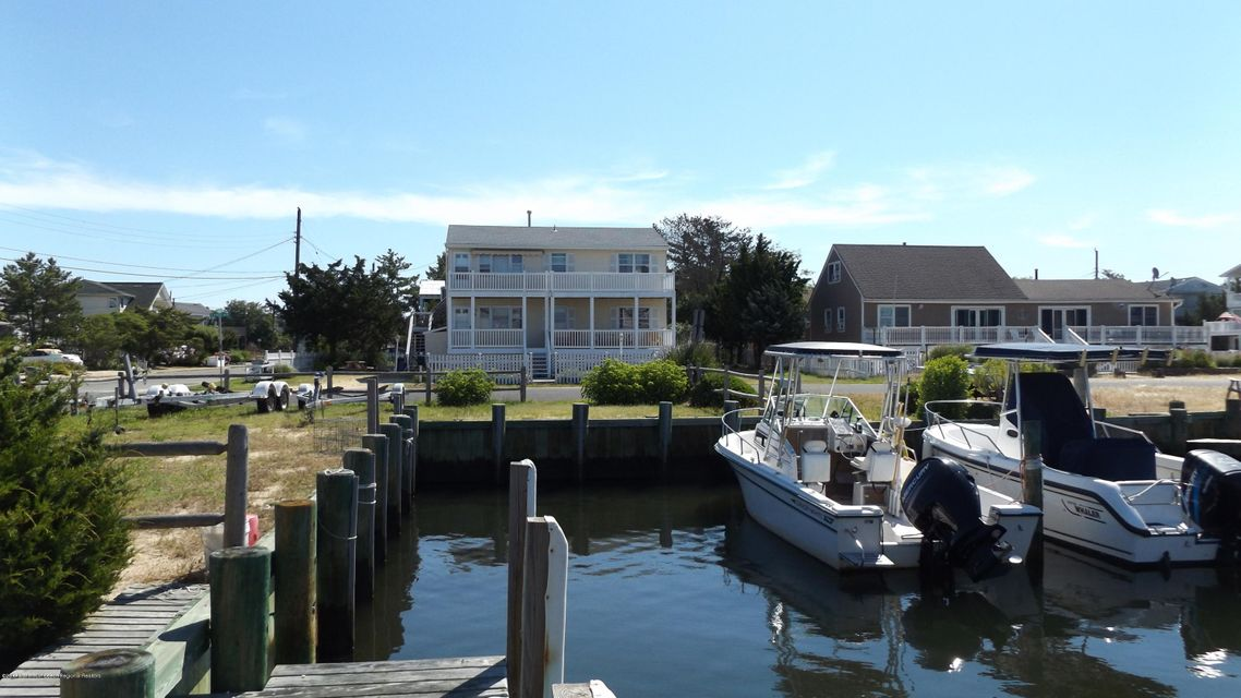Multi-Family Home for Sale at 3 Lange Avenue Harvey Cedars, New Jersey 08008 United States