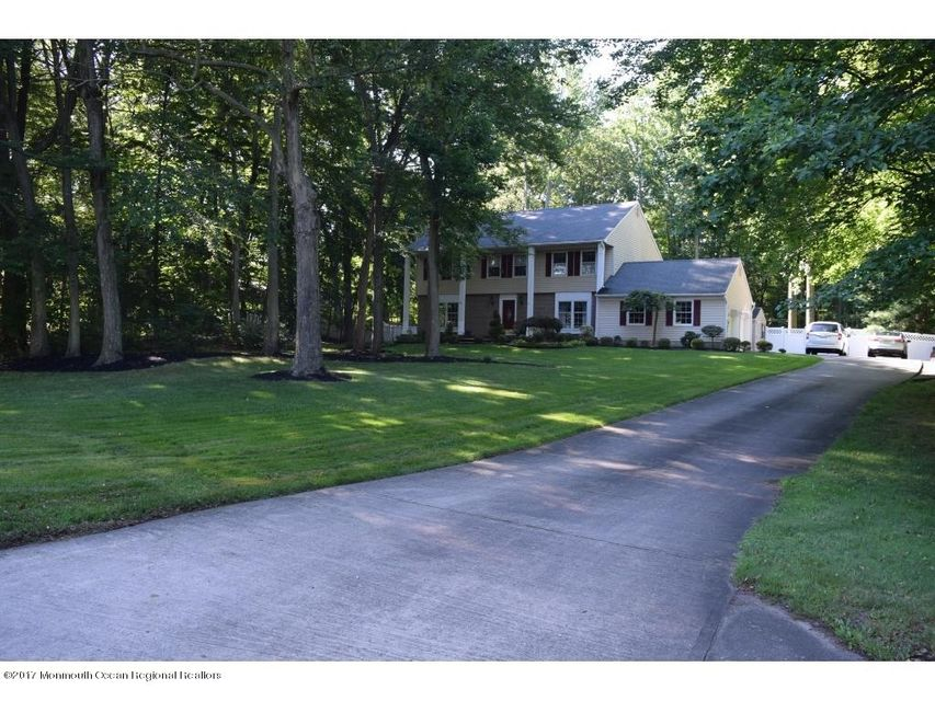 Single Family Home for Sale at 80 Stillwell Road Leonardo, New Jersey 07737 United States