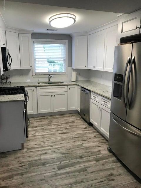Casa Unifamiliar por un Alquiler en 10 Pershing Avenue 10 Pershing Avenue Manasquan, Nueva Jersey 08736 Estados Unidos