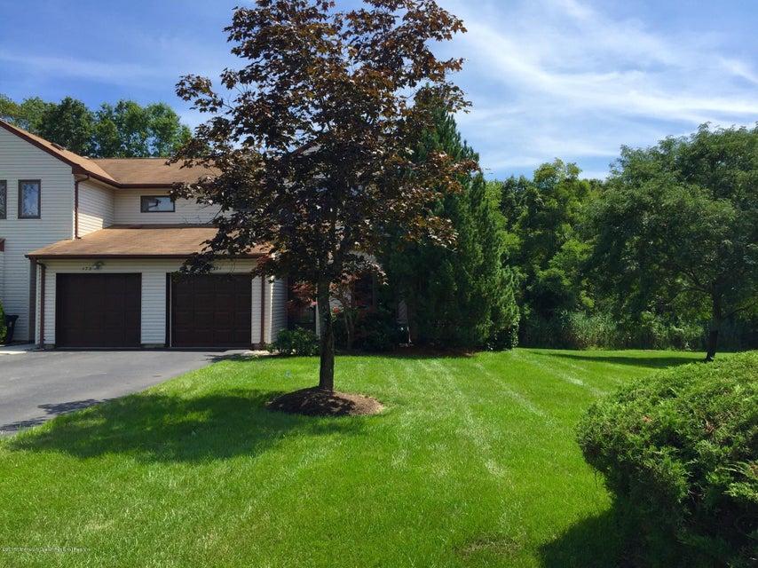 共管式独立产权公寓 为 出租 在 171 Tangerine Drive 万宝路, 新泽西州 07746 美国