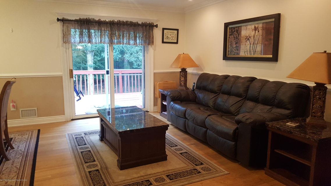 Additional photo for property listing at 82 Old Bridge Drive  Howell, New Jersey 07731 Vereinigte Staaten